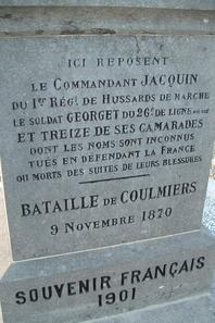 Le Monument de 1870 o repose le Commandant JACQUIN  SAINT SIGISMOND (45)
